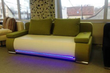 LED világítás kanapé