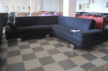 fekete kanapé