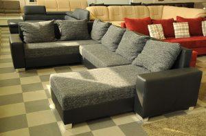 fekete u-alakú kanapé