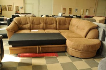 barna kanapé